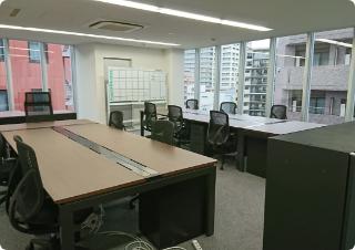 移転したばかりの時の東京本社です。